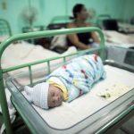 Hindistan'da çocuk ölümleri artıyor: 100'den fazla çocuk beyin iltihabından öldü